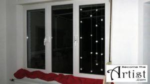 BecomeTheArtist : Invitez la neige chez vous ! Décorez vos fenêtres avec des flocons de neige en ouate