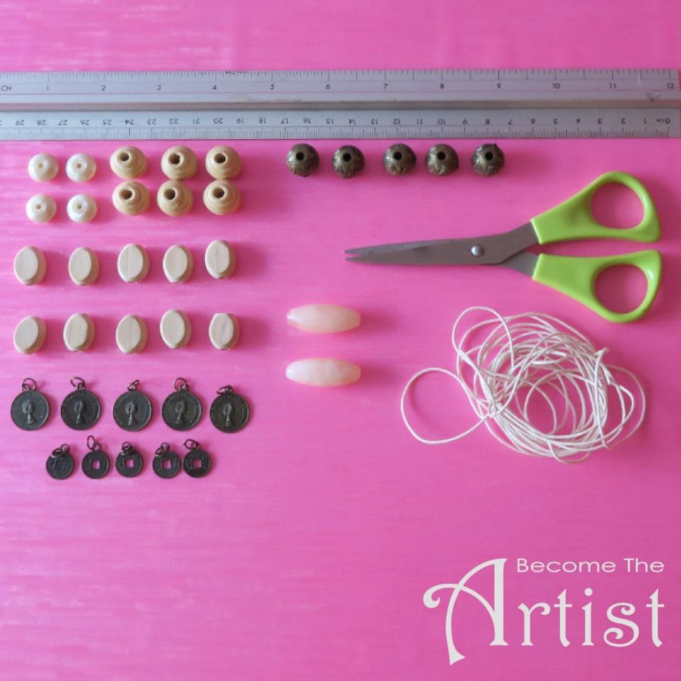 matériel nécessaire pour faire un collier avec des perles