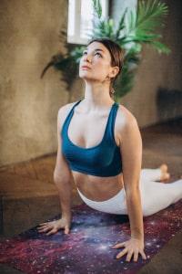 bouger à la maison faire du yoga