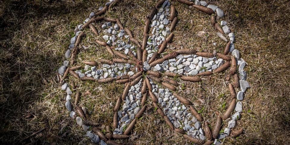 land art activités forêt